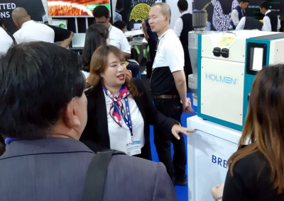 Holmen NHP200 at VIV Asia attracting quite a crowd!